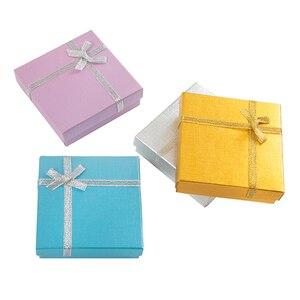 Image 4 - Modne pudełko na naszyjnik 9x9x2.5 cm kartonowe pudełko na biżuterię na bransoletkę kolczyki opakowanie na pierścionek z białą gąbką