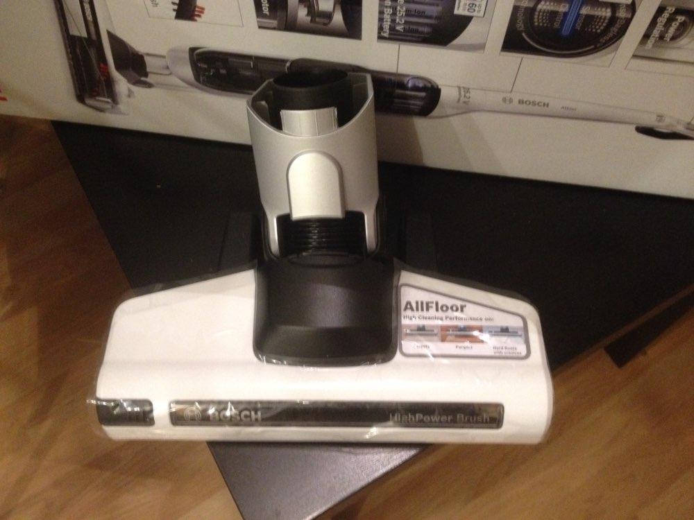 Вертикальный пылесос Bosch BCH6ATH25