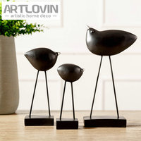 European Style Resin Black Bird Figurines Home Decor Creative Living Room Decorations Modern Simple Miniatures House