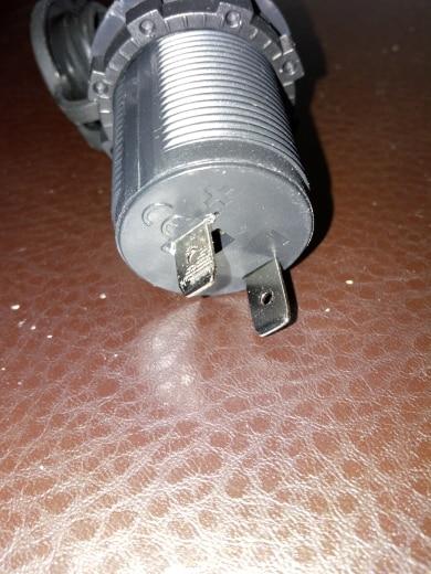 10В адаптер питания; автомобильное USB-розетка; автомобильное USB-розетка;