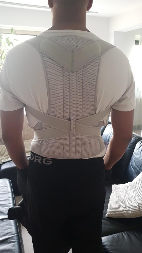 Correcteur de posture intégral pour le dos photo review