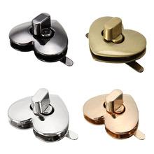 AEQUEEN 32mm X 28mm uroczy w kształcie serca zapięcie odcień brązu DIY torebka zatrzaski zamknięcie blokada bagażnika wymiana akcesoria do toreb tanie tanio Metal LOCK SKU425792 Bag Accessories Bag Metal Lock