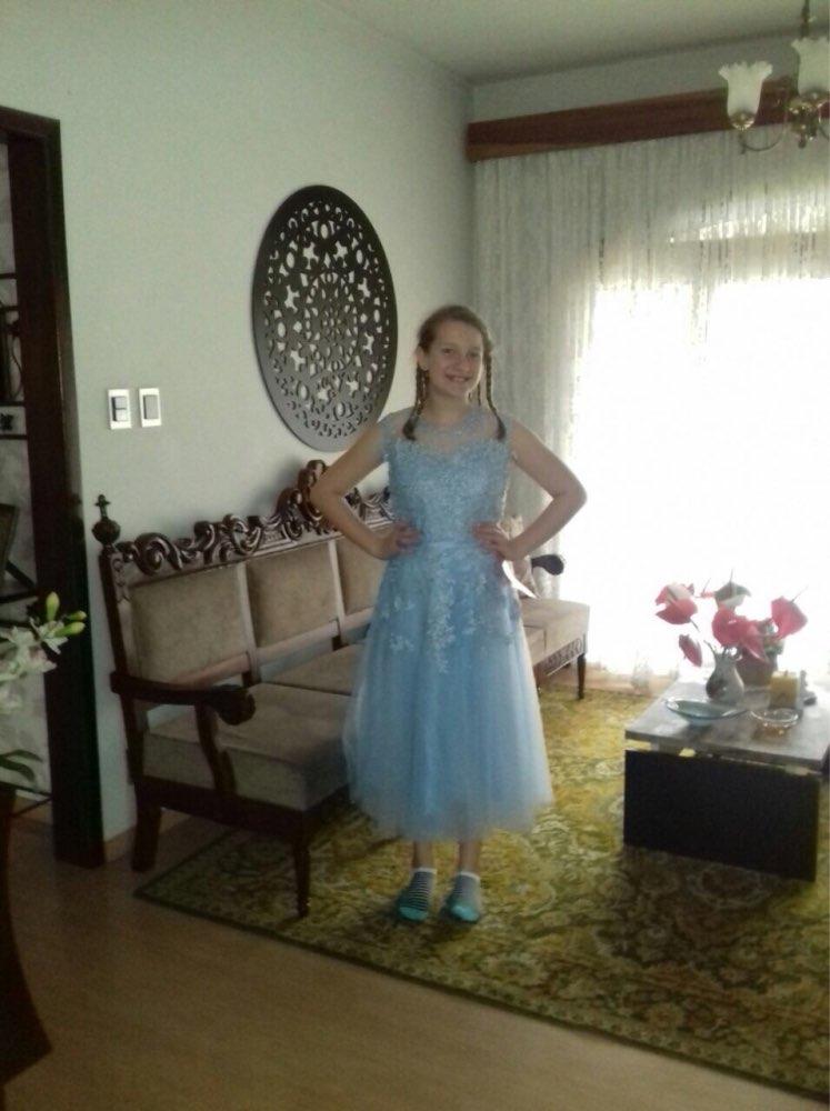 Läbipaistva seljaosaga kleidid