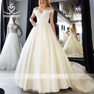 Image 5 - Vintage Perlen Spitze Hochzeit Kleid Appliques Off Schulter A Line Prinzessin Braut Kleid Gericht Zug Swanskirt F125 vestido de noiva