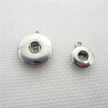 50 sztuk/partia srebrny okrągły przycisk Snap przycisk Dangle Charms DIY zatrzaski biżuteria akcesoria naszyjnik wisiorek akcesoria 12mm 18mm