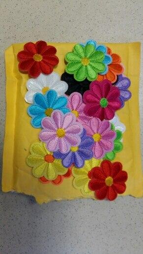 Nueva llegada 10 Uds. 12 colores flores parches bordados