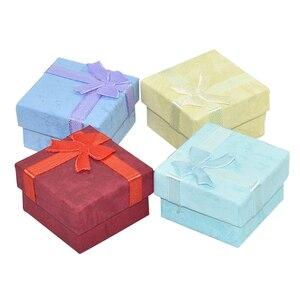 """Image 5 - ריבוע נייר קופסות מתנת תכשיטי 4x4x3 ס""""מ טבעת שחורה/תיבת עגיל תיבת הווה קטן עבור תצוגת אריזת תכשיטי עם הוספה לבנה"""