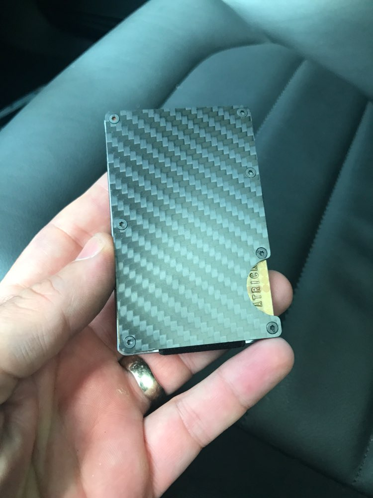 2019 New Men Card Holder Slim Carbon Fiber Credit Card Holder Metal Wallet  Anti Scan Function Hold Card Coins Cash photo review