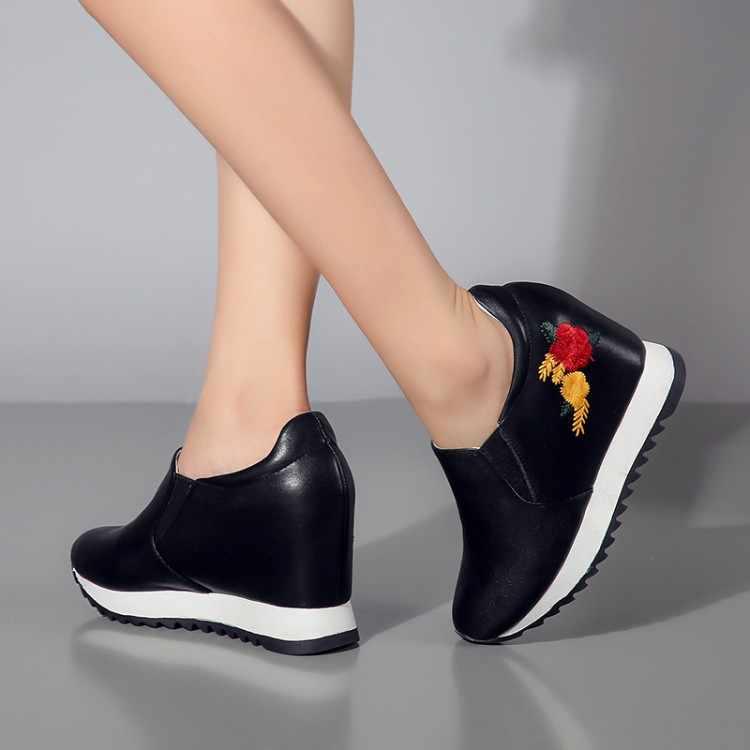 MLJUESE 2019 kadın yarım çizmeler inek deri Nakış sonbahar takozlar artan topuk ayakkabı çizmeler kadın botları