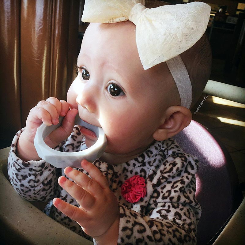 High Quality Baby Teething Bracelets Safe BPA Free Silicone Teether Stylish Bracelets Food Grade Non-toxic for Baby Care цена