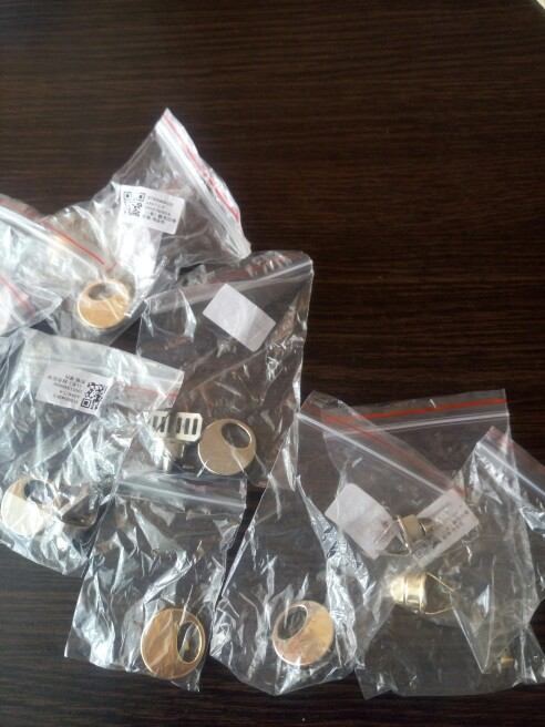 Ronde vorm Metalen Twist Lock DIY Bag Purse Bagage Accessoires Schakelaar Knop photo review