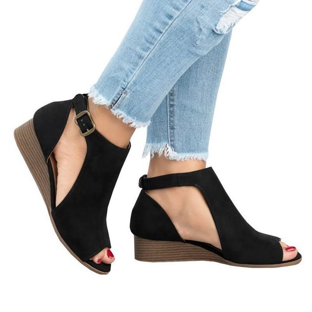190e209abc3 LAAMEI 2018 Woman Wedge Buckles Fish Mouth Sandals Gladiator Women Sandals  Mid Heel Sandals Ladies Summer Peep Toe Women Shoes