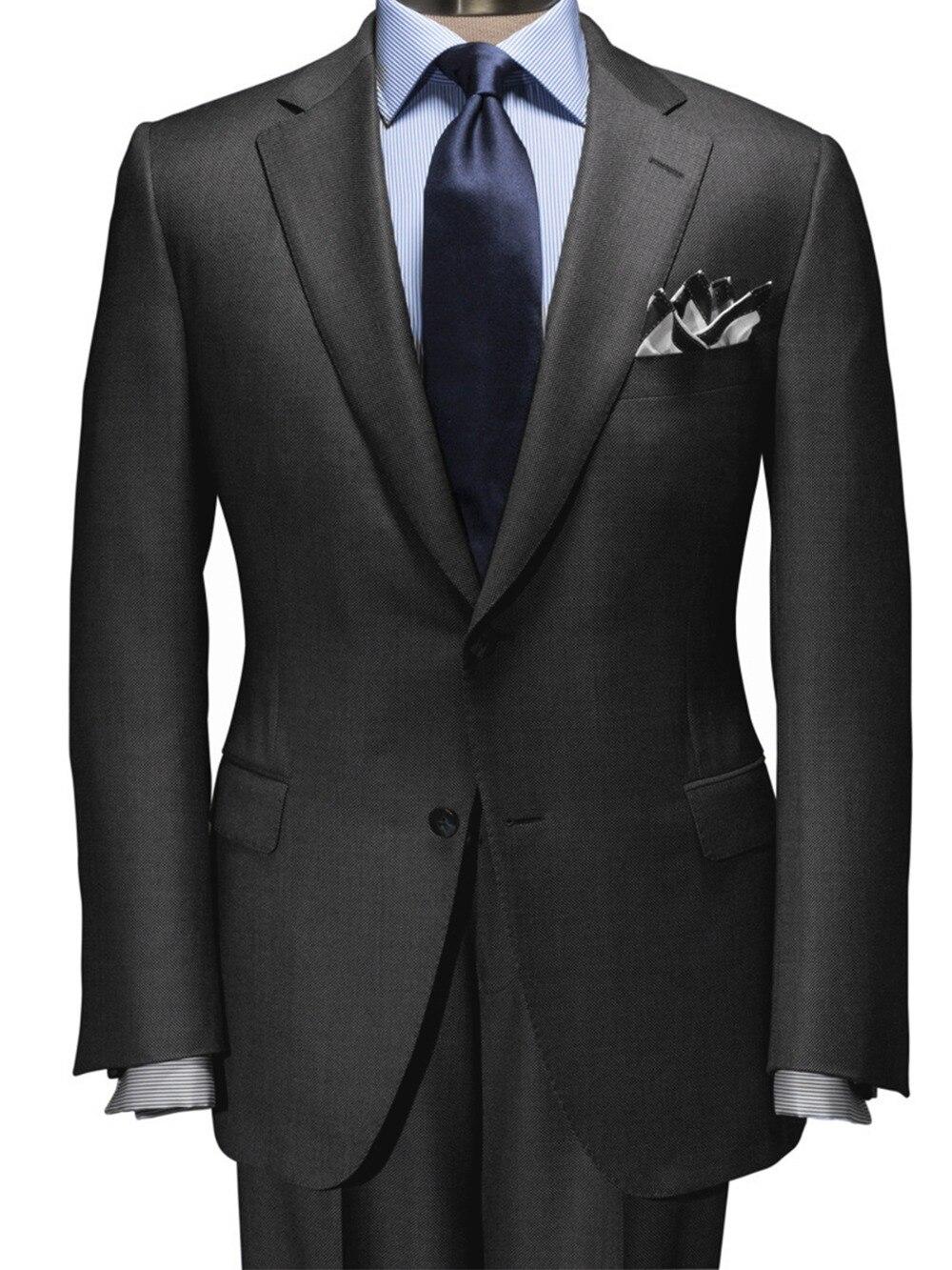 2019 Cinza Escuro Nailhead Terno É UM Moderno e Essencial Para O Ano-Vestir Custom Made Slim Fit Homens Ternos ternos de negócio Best Seller