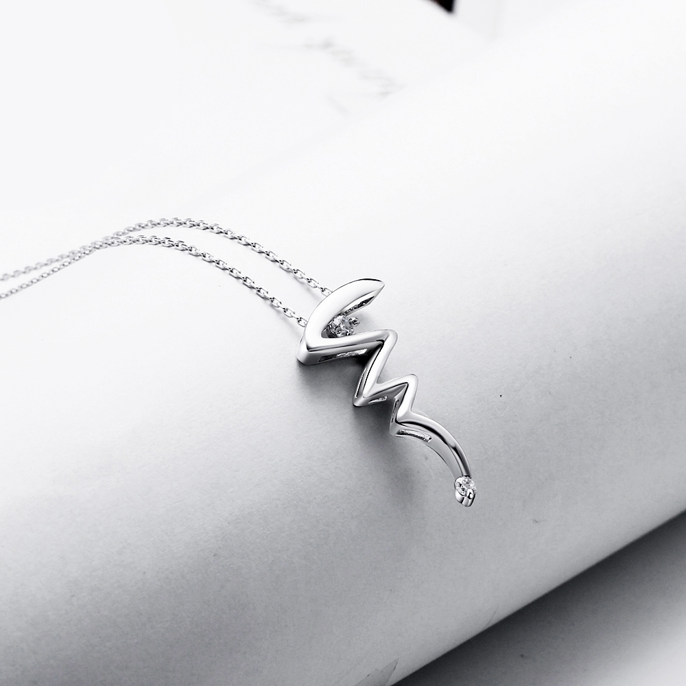 DreamCarnival 1989 New Girls Lightning Pendant Sterling Silver 925 jewelry Cubic Zirconia Fashion Necklaces for Women SZ05495R