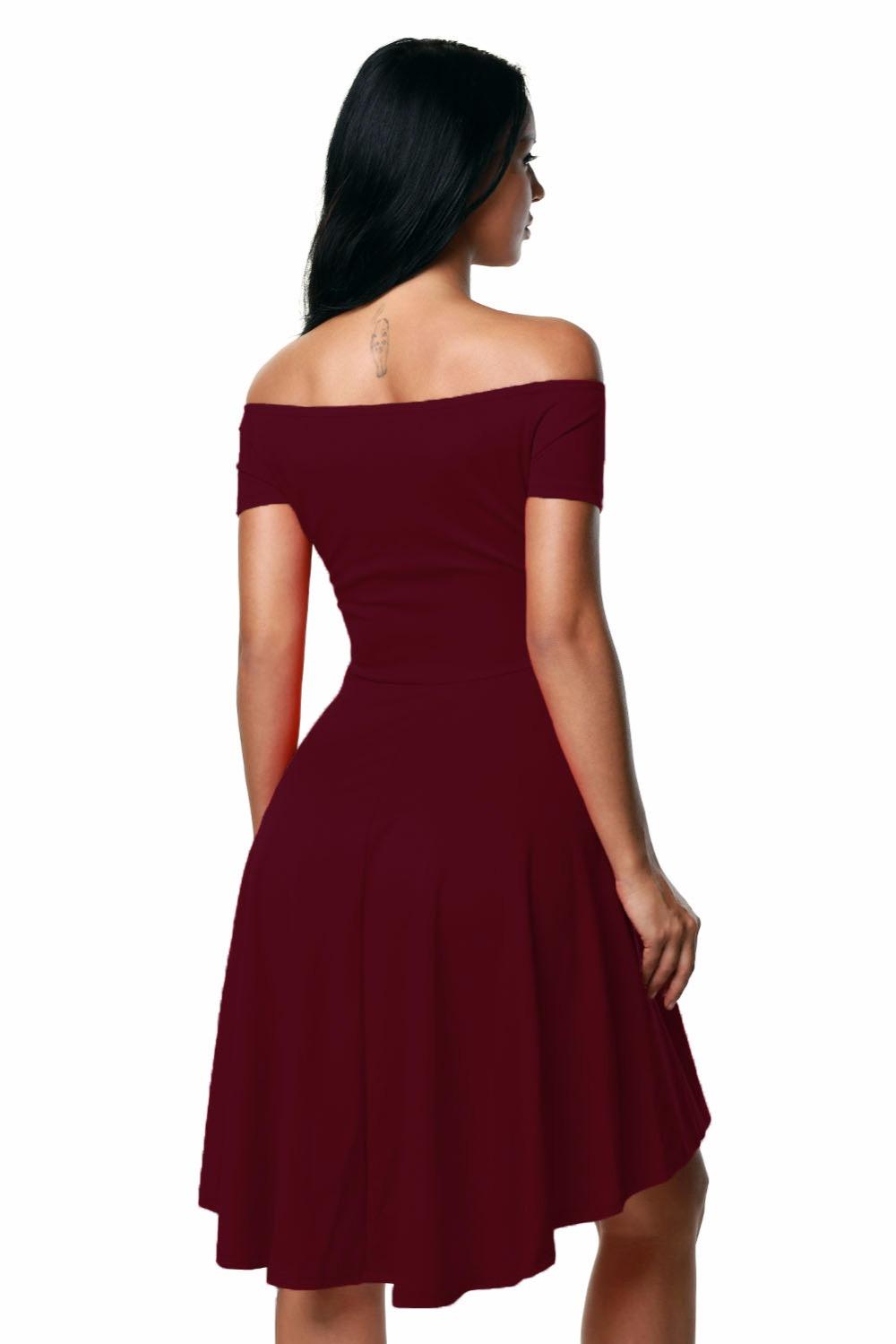 06a5f8521 Tal vez hay una ligera diferencia en los detalles y el patrón de este  vestido.