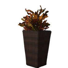 Kiefergarden. Vaso de flores paraiba. Entregar da espanha.  Ratán. Plantador paraiba em três tamanhos diferentes. Móveis de fora.