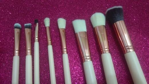 Soft 8Pcs Rose Gold Makeup Brushes Eyeshadow Powder Blush Fondation Brush Make Up Tool 2pc Sponge Puff Cosmetic Kit Easy to use