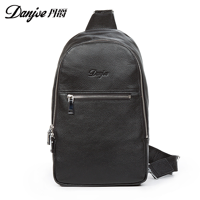 DANJUE brand Men Chest Bags Real Genuine Leather Male Messenger Bag Casual fashion Highquality big capacity Travel Crossbody Bag