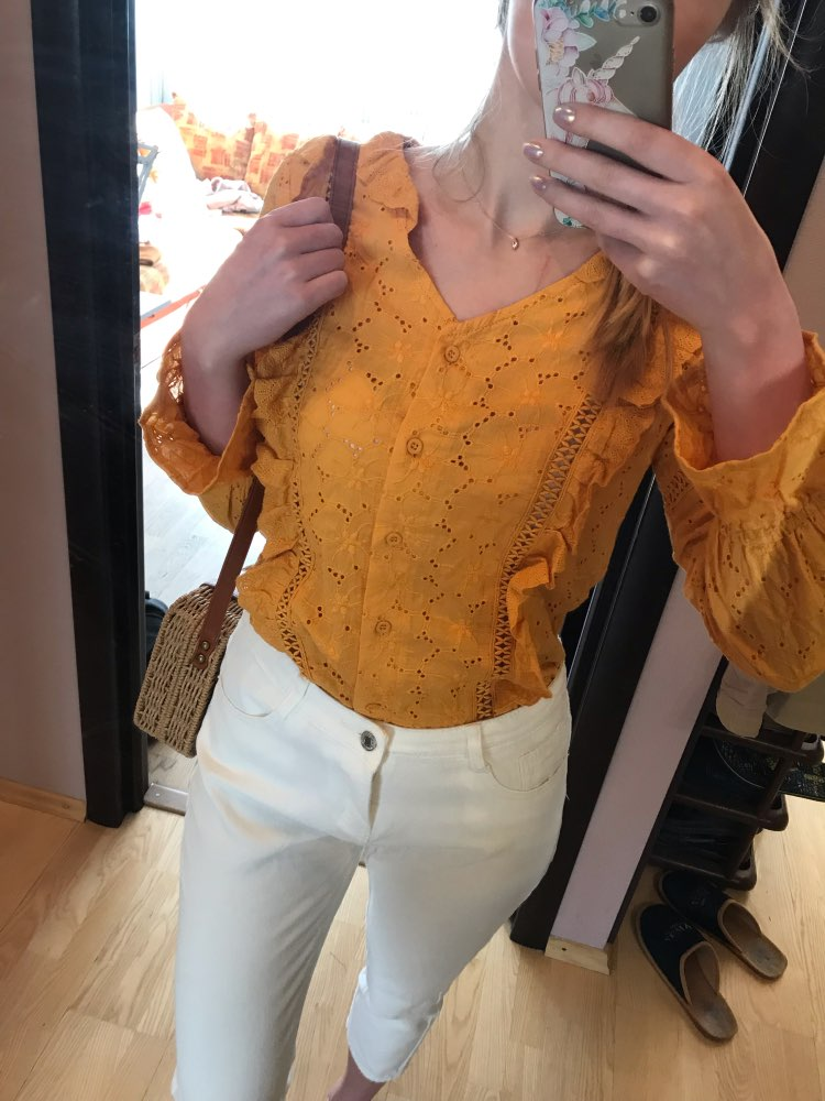 Conmoto Fashion White Embroidery Lace Women Tops And Blouse Summer Casual Holiday V Neck Polka Dot Shirt Cotton Girl Blusa photo review