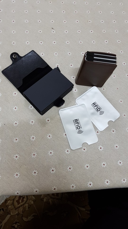 RFID Men's Leather ID Credit Card Holder Male Automatic Aluminum Alloy Hasp Business Double Layer Cardholder Wallet for Man photo review