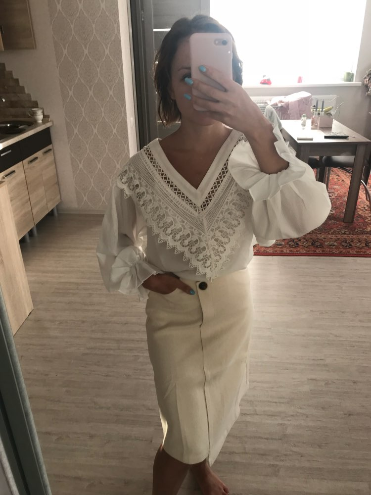 Chiffon Spring Summer Female Fashion Lantern Sleeve Lace Patchwork Shirts V Neck Long Sleeve Women Blouses photo review