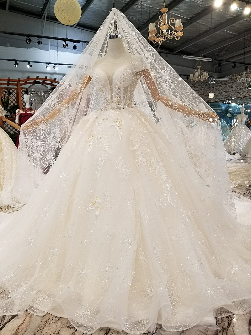 094f42f1156 4.Warm welcome to visit ours showroom and factory any time. 5.We can design  and produce the dresses for you only not sell to others,if you have big