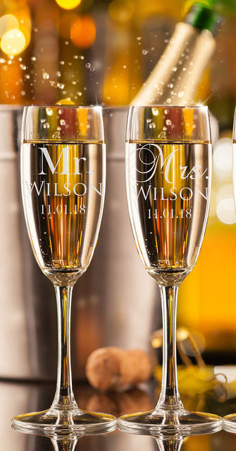 Set Of 2 Personalized Mr Mrs Name Date Wedding Champagne Flutes Custom Champagne Glasses Wedding Gift For Couple Toasting