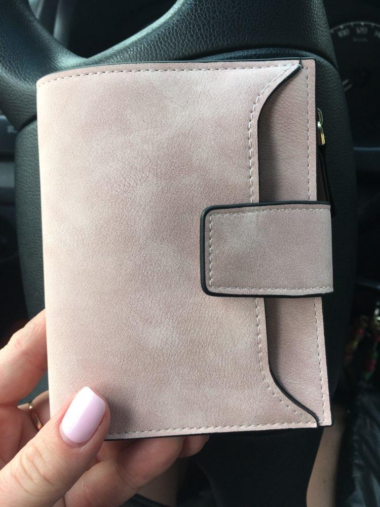 небольшой бумажник женщин; держатель кредитной карты ; женщины бумажник;
