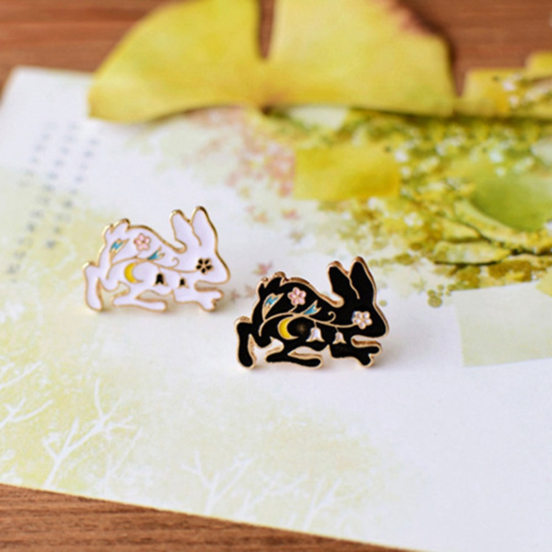 Color Random!! Cartoon Cute Enamel Anime Rabbit Brooch Pins Button Pins Jeans Clothes Decoration Fashion jewelry Christmas Gift