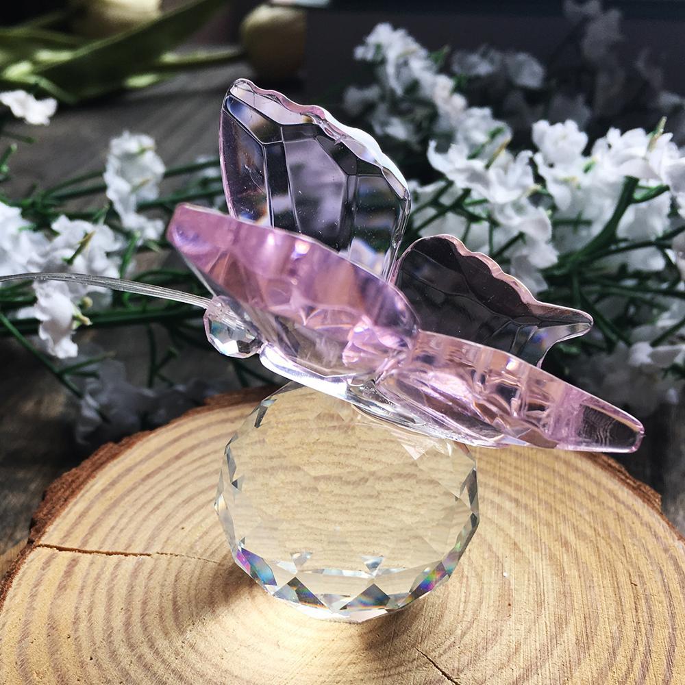 Летећи лептир лептир и кристални лептир с кристалном куглицом Базна фигурица изрезан стакленим украсом статуа Животиња Колекционарно