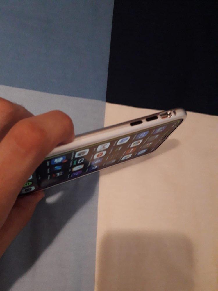 Funda 360° de Absorción Magnética para iPhone photo review