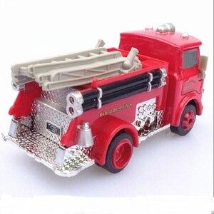 Image 2 - דיסני פיקסאר רכב 3 אש משאית קטן אדום 1:55 למות יצוק מתכת סגסוגת דגם מכונית צעצוע לילדים מתנה הטובה ביותר