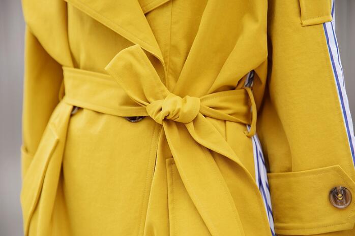 2018 Yellow Est Coupe Boucles Nouvelle Tempérament vent Automne Veste Rangée Style Femme Double Bande Épissé Moyen Long gfg4a
