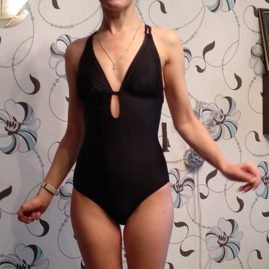 Женский купальник Charmleaks