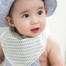 Baby waterproof fashion  anti-dirty comfortable tender care infant drool printed 100% pure cotton bibs on sale 8856