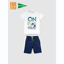 2703a2390 (Se envía desde ES) Freestyle Conjunto de Niño Dos Piezas Algodón Camiseta  de Manga Corta y Cuello Redondo en Blanco con Estampado Multicolor y .