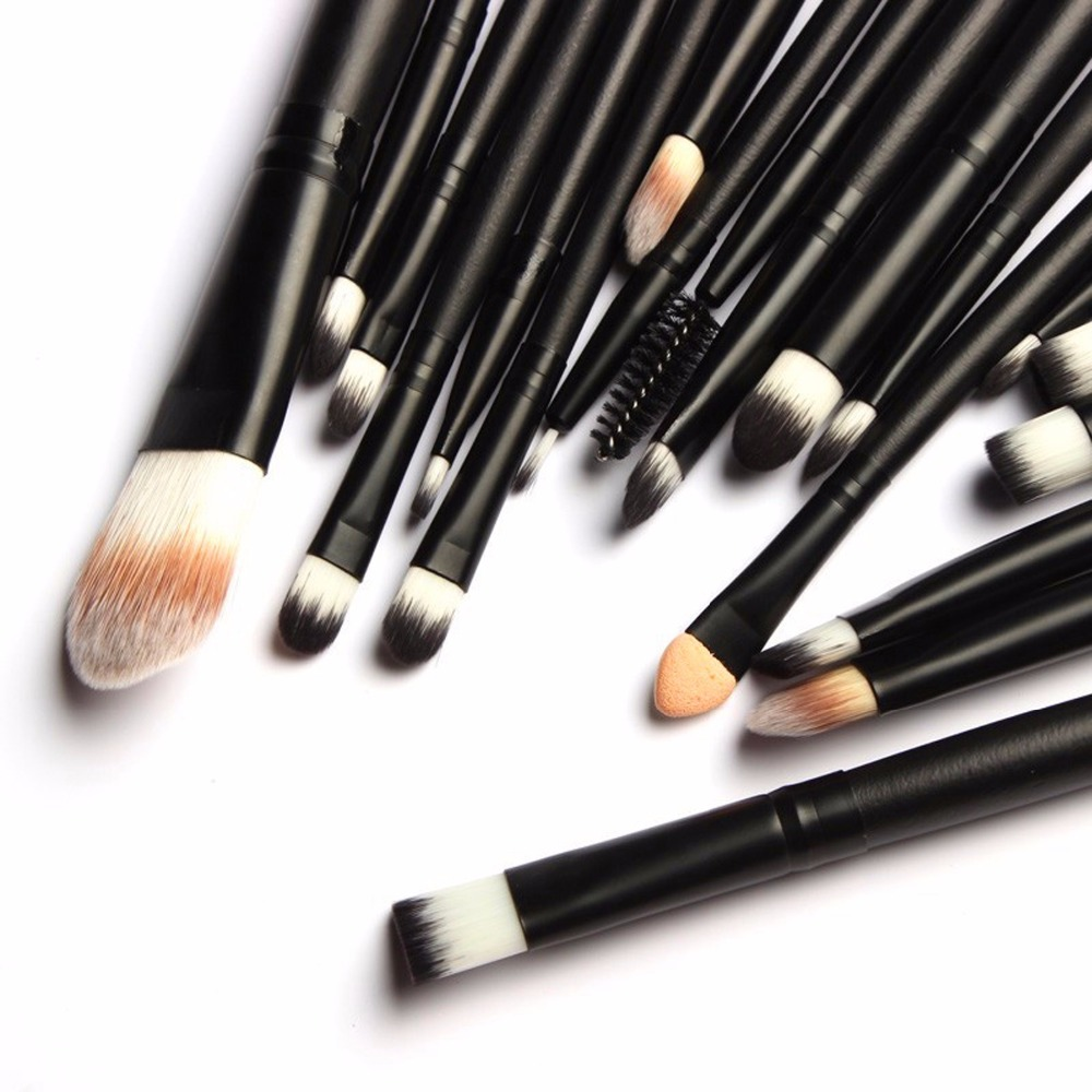 Pro Face Oval Makeup Brushes Foundation BB Cream Flawless Base Powder Puff Blusher Cosmetic Toothbrush Shaped Cleaning Beauty футболка wearcraft premium printio кит