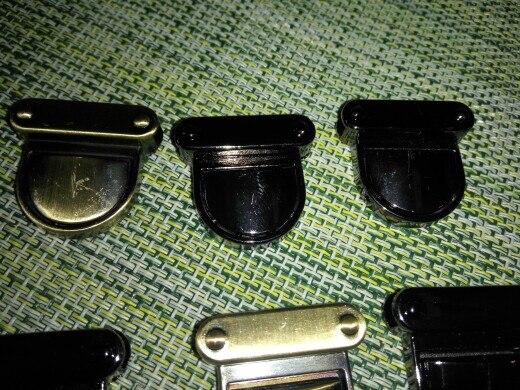 THINKTHENDO 3x3cm Metalen sluiting Turn Lock Twist Lock voor DIY Handtas Tas Portemonnee Hardware Sluiting 4 Kleur photo review