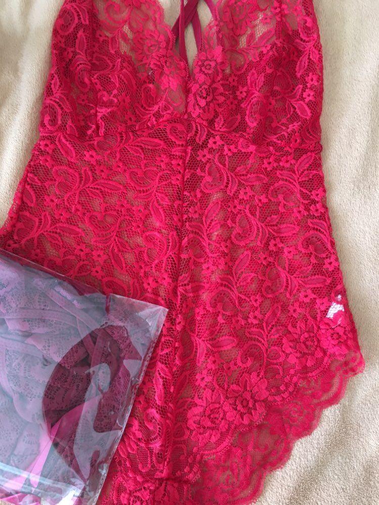 SEBOWEL 2018 элегантный цветочный Красное Кружевное боди Для женщин спинки Глубокий V шеи сексуальное боди Bodycon Холтер комбинезон без рукавов комбинезон