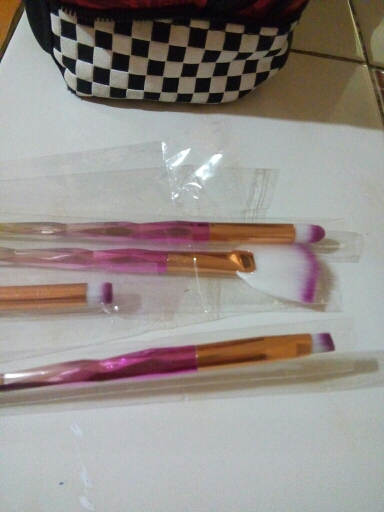 New 4pcs Eye Makeup Brushes Set Diamond Handle Cosmetic Foundation Eyeshadow Blusher Powder Blending Brush Beauty Tools Kits