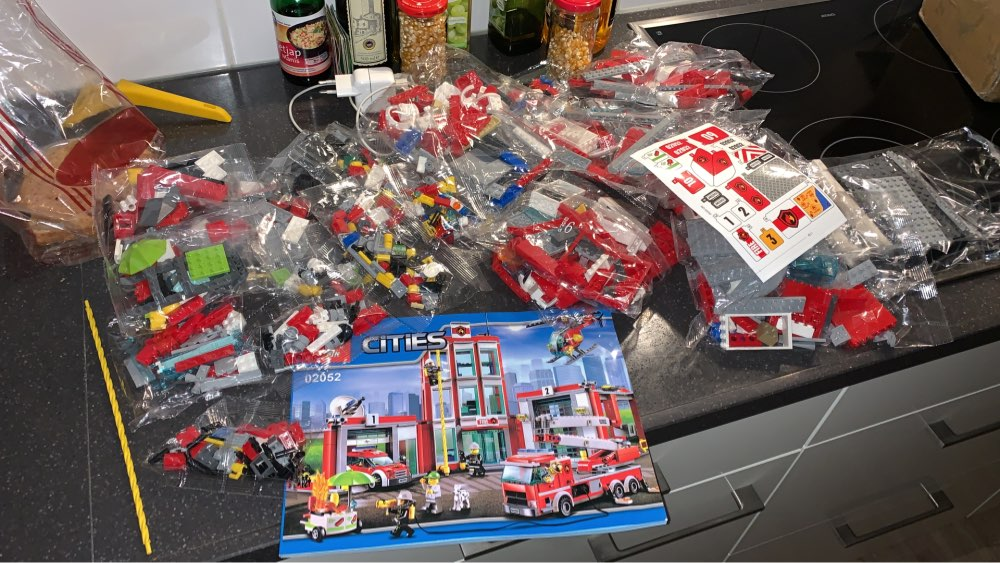 LEPIN 02052 Cities Fire Station Block Set (1029Pcs) photo review
