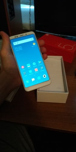 "Global ROM Xiaomi Redmi 5 Plus 3GB RAM 32GB ROM 5.99"" FHD Full 18:9 Snapdragon 625 Octa Core 4G LTE Smartphone 12MP fingerprint"