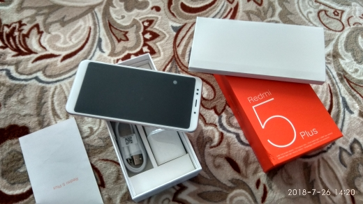 """Глобальная версия Xiaomi Redmi 5 плюс 3 ГБ 32 ГБ 5,99 """"18:9 полный Дисплей Snapdragon 625 восьмиядерный смартфон 4000 мАч отпечатков пальцев CE"""
