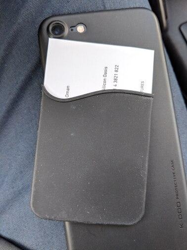 Klsyanyo 2pcs / lot Zelfklevende Sticker Achterkant Kaarthouder Kleine Bus Kaart Hoesje Zakje voor mobiele telefoon photo review