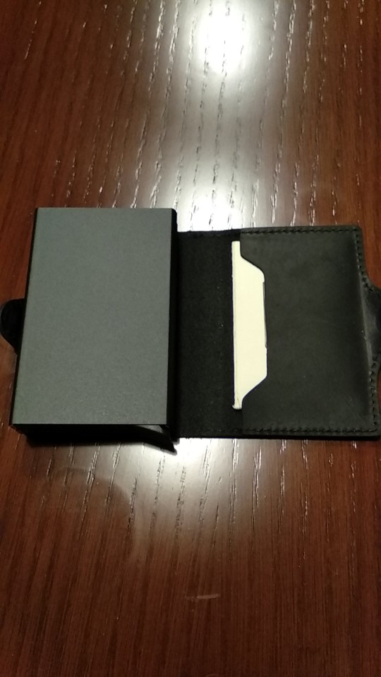 VM FASHION KISS RFID Crazy Horse Leather Mini Wallet Security Information Double Box Aluminum Credit Card Holder Metal Purse photo review
