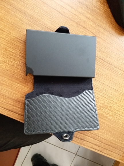 RFID 2019 Fashion Men's Carbon Fiber Leather Credit Card Holder Automatic Aluminum Metal Cardholder Male Wallet Slim Case Purse photo review