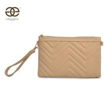 Bolso de bandolera para mujer, también se puede usar como un Clutch. Decorado con costura geométricas.