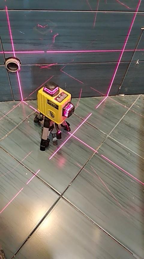 XEAST XE-61A 12 линий лазерный уровень 360 Самовыравнивающийся Крест линия 3D лазерный уровень красный луч регулируемая точность доставка от российского