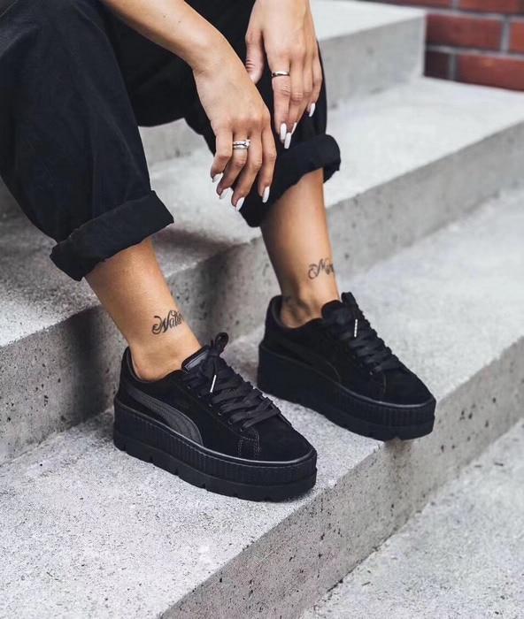 5dac9ae0124 Aliexpress.com  Compre PUMA Camurça Trepadeira Cleated Primeira Geração das  Mulheres Rihanna FENTY Cesta Clássico Camurça Tom Simples Sapatos Badminton  de ...