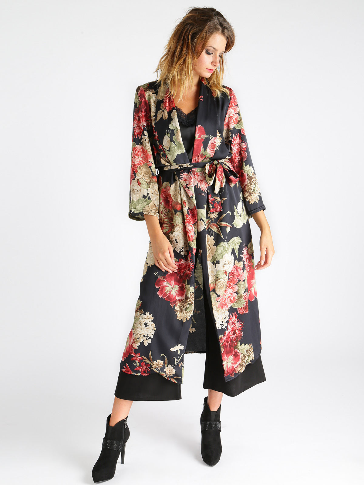 Duster Light With Slits To Fancy Floral